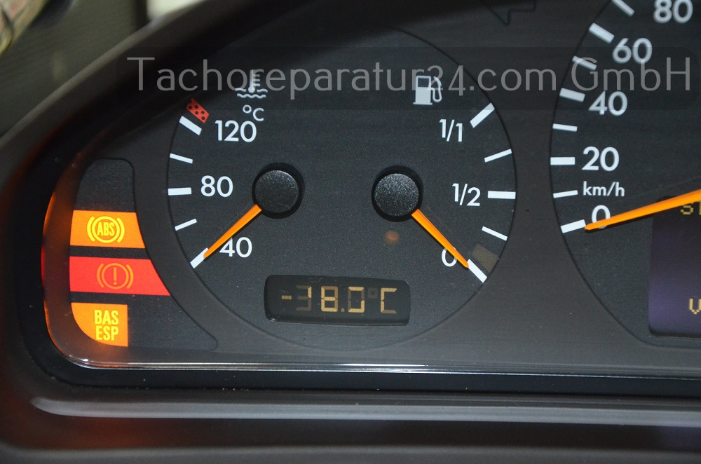 Mercedes W210 Tacho